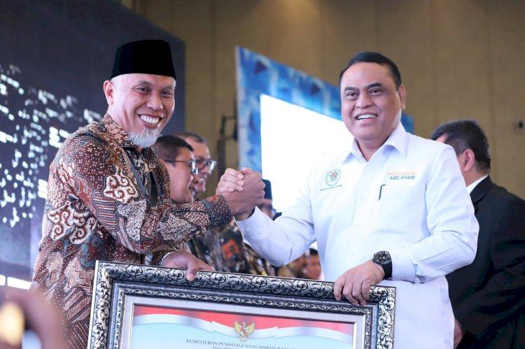 Akuntabilitas Kinerja Dinilai Baik, Kota Padang Kembali Raih Predikat Kategori BB